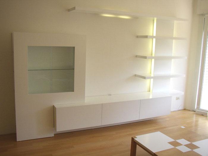 Osvětlená obývací stěna na míru
