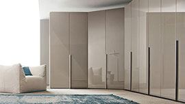 Rohové vestavěné skříně