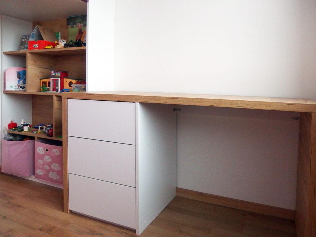 Realizace kompletního interieru vč. psacího stolu do dětského pokoje pro holčičku Praha 9